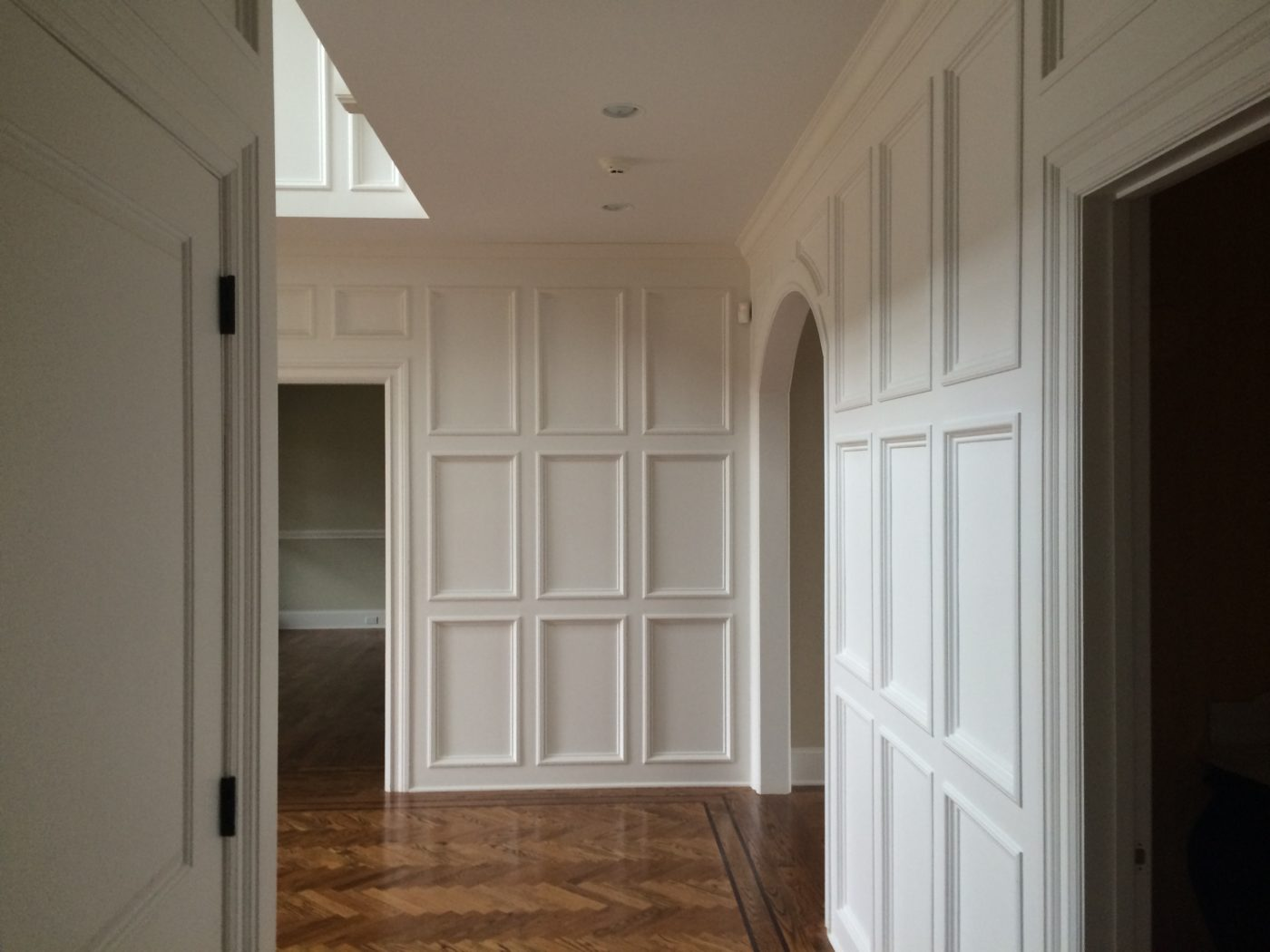 The benefits of wainscoting palette pro beadboard this type of wainscoting uses panels with symmetrical vertical grooves giving a warm look to your room beadboard is the easiest form of jeuxipadfo Images